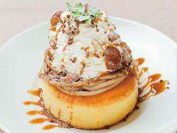 ふわふわのパンケーキにエスプーマ生クリームがたっぷり!!