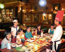 南国ポリネシアをテーマにした楽しい店内で思い出に残るひととき