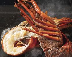 プリプリの伊勢エビは、ウニソース焼きが人気!