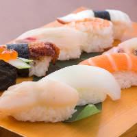お寿司なら盛り合わせがお得! 10・7・5貫をご用意しています