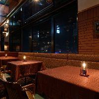 鹿児島市内の夜景とともにゆったりお食事を楽しめる!