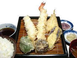 当店自慢の大エビ使用、一番人気のだるまエビ定食です!