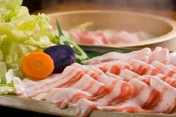 あぐーのせいろ蒸しと沖縄料理 しまぶた屋