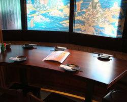 広々テーブル席でリラックス(2名様~20名様までOK)