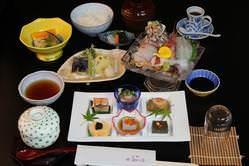 鮮美膳です、毎朝仕入れる新鮮な刺身のお膳です。