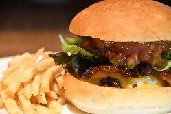 【スペシャリティハンバーガー】 佐賀の食材をふんだんに使用!