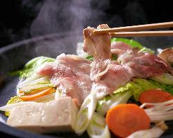 アグーの旨さを鉄板焼肉でご賞味下さい。