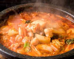 大人気♪♪韓国ホルモン鍋 「「コプチャンジョンゴル」」