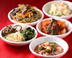優しいオモニが愛情たっぷりに 韓国の味を伝えます!!