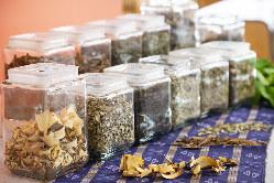 沖縄の太陽とミネラル豊富な土壌で、農家の方が育てた野菜を使用