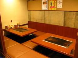 完全個室の掘りごたつ席 最大18名様でご利用可能です。