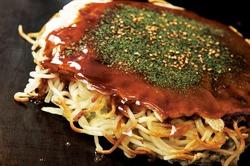 広島焼(肉玉そば)800円 広島直送の生麺を使用しています。