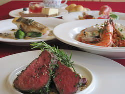 宴会、パーティーはみんなでわいわい大皿料理