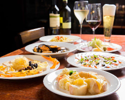 チーズ料理とワインを楽しむお店です♪ デートにお勧め!!