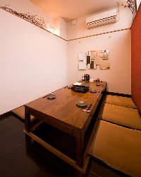 掘り炬燵個室も完備13名様まで対応可。