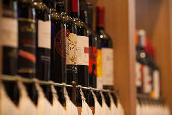 厳選された100種のワイン