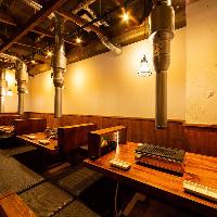 【排煙ダクト完備】 天井も高く、換気と開放感を演出