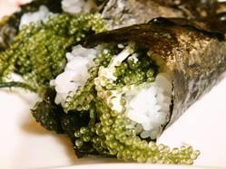 当店人気メニュー!!海ぶどうの手巻き寿司