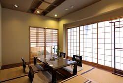 二階の個室はご接待やプライベートにご利用ください(要ご予約)。