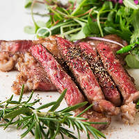 パーティーコースは本格派の多国籍料理をご提供しています。