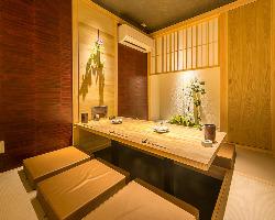 上質な個室は堀ごたつ式でゆっくり寛げます。