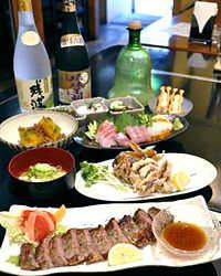 飲放題付のコースも沖縄の島酒と共に お楽しみください。