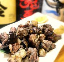 【鶏料理】 地鶏の炭火焼やタタキ等、九州名物の鶏料理をご用意