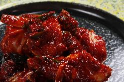 韓国では多く見られる旬の魚介料理も積極的に提供している。