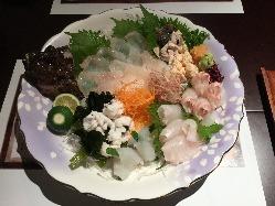 旬の魚を贅沢に!刺身盛り合わせ5種盛り☆1,500円(税抜)