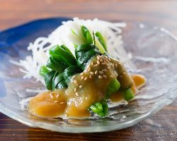 上通り・上乃裏エリアで馬刺し、郷土料理を味わえます