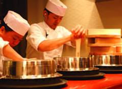 羽釜で炊いたごはんを提供しております!!