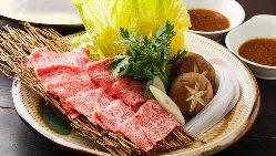 店内は天井も高く開放的な造りとなっております!