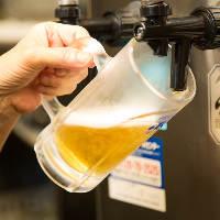 温かくなると恋しくなる冷えたグラスに注ぐ金色に輝く生ビール!
