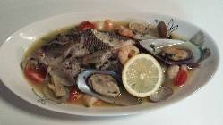 新鮮魚介のアクアパッツァ