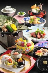 ご宴会にも最適な懐石コースは4種類あります。