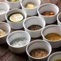 部位に合わせ、九州の塩・合わせ塩・自家製の薬味等もご用意!