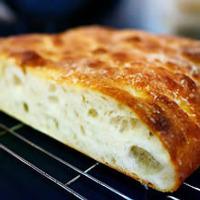 フォカッチャやハードブレッドなどパンも毎日手作りしている。