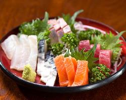 毎日仕入れる新鮮なお魚。