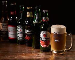 『カールスバーグ』や『ハイネケン』などボトルビールも種類豊富