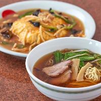 【油淋鶏定食】 10種類の調味料をブレンドしたソースが決め手♪