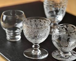 100余年ものなど、オールドバカラのコレクションも同店の魅力。