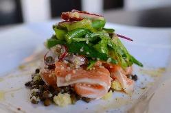 お野菜たっぷりと使用したサラダや前菜もこだわっています!