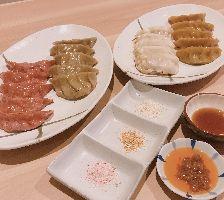 当店オリジナルカラフル餃子!!健康にも良いです^^