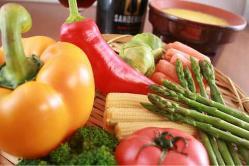 旬のお野菜がたっぷり!有機野菜のバーニャカウダは絶品♪