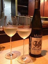 店主が厳選した豊富なワインの数々。お気に入りが見つかるはず。