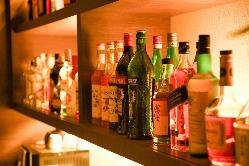 お酒の種類も豊富に。素敵な夜を。