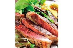 お肉料理も満載! 様々な調理方法で様々な食べ方で。。。