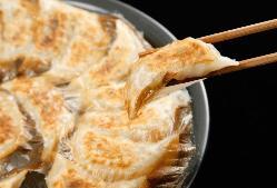鉄鍋餃子は単品注文率上位ランク商品です♪