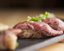 当店イチオシ!!和牛やカルビを鮨で堪能!〆にもピッタリ◎