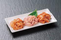 赤から名物鶏セセリ3種盛(赤&白&味噌)1,090円(税抜)